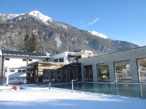Schluga Spa Apartments & Mobile Homes