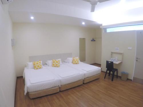 1ACS Hostel