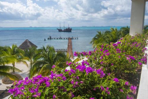 Isla Mujeres Palace - All Inclusive Adults Only