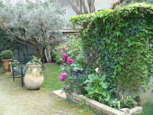Arles les Alyscamps