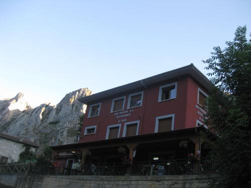 Booking.com: Hoteles en Tielve. ¡Reserva tu hotel ahora!