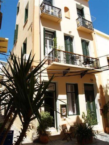 Silde Studios & Apartments