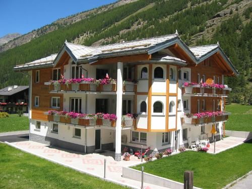 Holiday Home Haus Alpenstern, Wohnung Aelpi