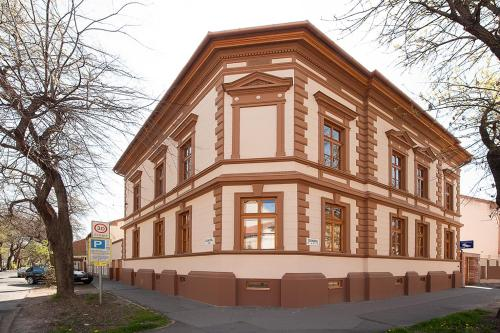 Csanabella House