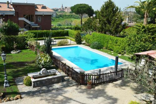 I 10 migliori hotel con piscina di roma italia for Piscina roma