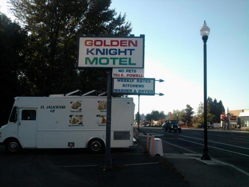 Golden Knight Motel
