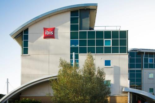 Ibis Hotels In South Wales United Kingdom Book Your Stay At Ibis
