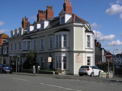 Christleton House