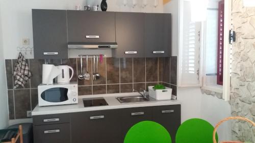 Apartment T & D