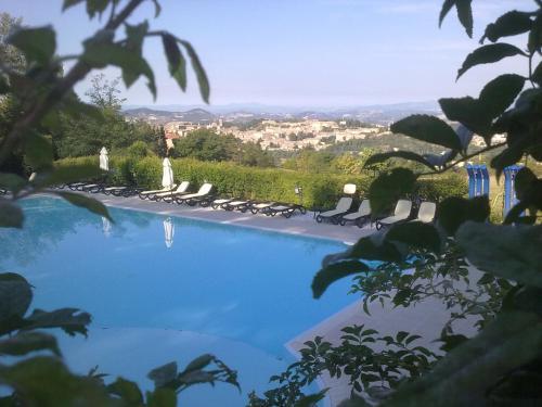 Marche i 10 migliori campeggi camping marche italia - Campeggi con piscina marche ...