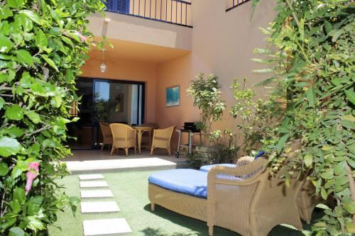 Description for a11y. Bahia Meloneras Duplex House