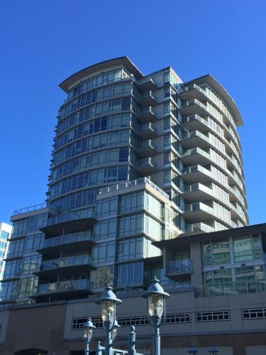 2B n 2B Highrise Apartment