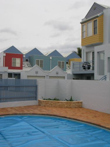 Bluedock Apartments
