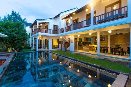 Vina Beach Pool Villas