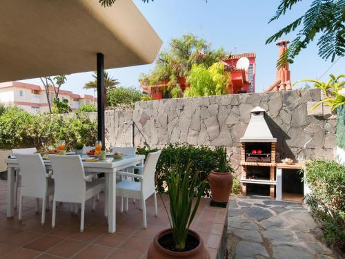 Description for a11y. Beach House Adelfas San Agustín MCI
