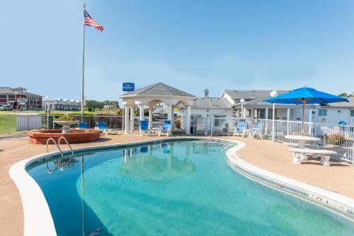 Baymont Inn & Suites Lake of the Ozarks / Osage Beach