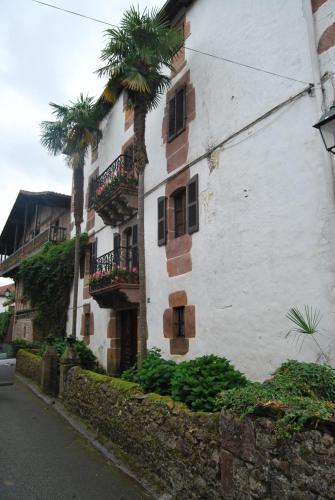 Los 10 mejores hoteles con parking de Echalar, España ...