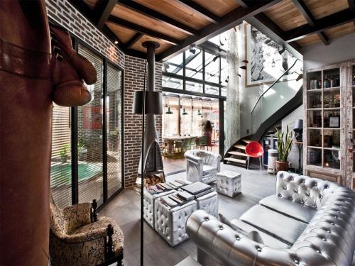 val d 39 oise 12 h tels et spas. Black Bedroom Furniture Sets. Home Design Ideas
