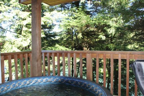 West Wind Cabin by Natural Elements Vacation Rentals