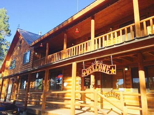 Duck Creek Village Inn