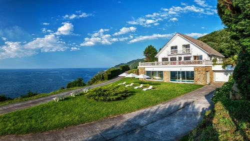 Villa Oassis by People Rentals