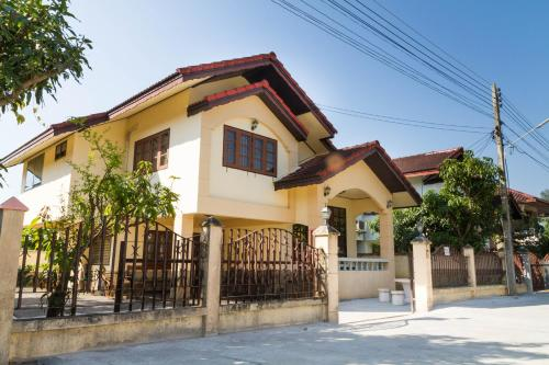Mutthong House