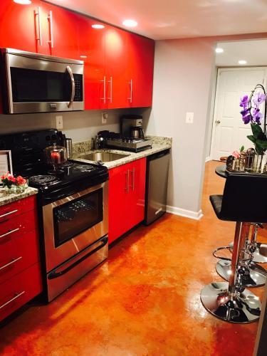 Studio H St Corridor