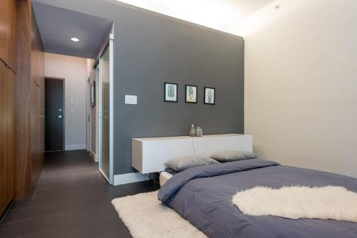 Open Concept Gastown Studio