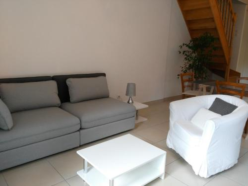 les 10 meilleurs h bergements bourgoin jallieu france. Black Bedroom Furniture Sets. Home Design Ideas