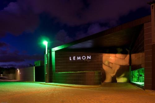 Lemon Motel