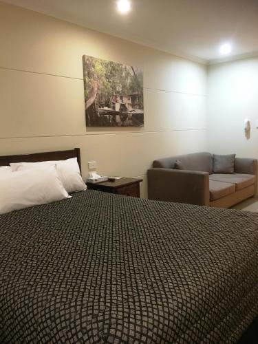 Balranald Club Motel