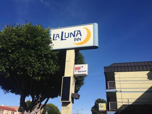 La Luna Inn, a C-Two Hotel