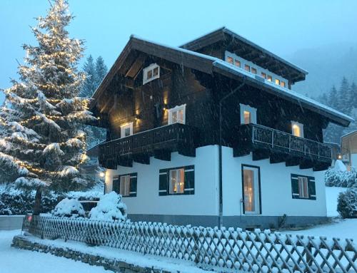 Superior Chalet Haus Hubertus