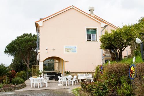 I 10 Migliori Bed & Breakfast di Varazze, Italia | Booking.com