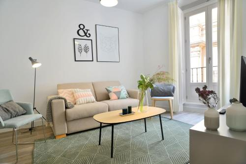 Aspasios Gran Via Apartments