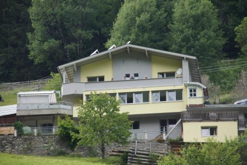 Apart Garni Dorfblick