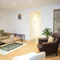 Beautifully Stylish 2-Bedroom Flat With Terrace