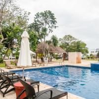 Three Bedroom Home - Walk to Beach & Pool
