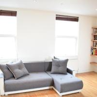 Sunny & Spacious 2-Bed Flat in North West London