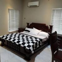 FULLY FURNISHED SERVICE 5-BEDROOM DETACHED DUPLEX WITH A ROOM BQ