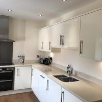 Quarters Living - Riverside Apartment