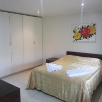 Hibiscus Keys (Apartment)