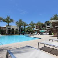 Three Bedroom Condo with Pool View