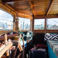 Windrooskade Houseboat