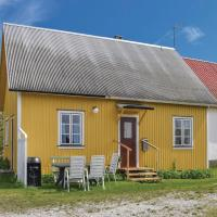 Three-Bedroom Holiday Home in Katthammarsvik