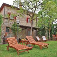 Three-Bedroom Holiday home with a Fireplace in Gaiole in Chianti SI