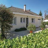 Three-Bedroom Holiday Home in Plazac
