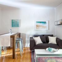 Apartment near Parc-La Fontaine