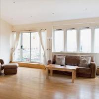 Central 2BD with Beautiful Terrace!