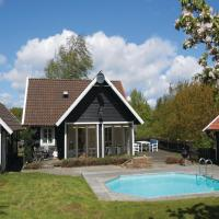 Three-Bedroom Holiday home with a Fireplace in Simrishamn